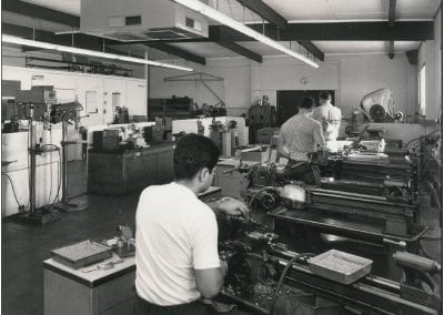 1970s Row of manual lathes and hard workers (19)